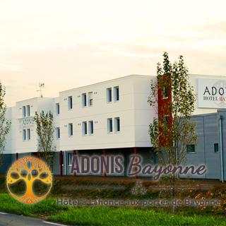 © Adonis Hôtel Bayonne
