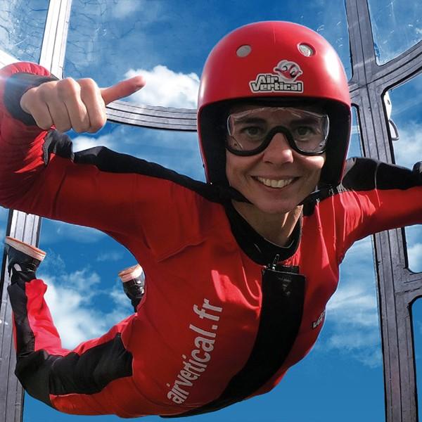 Viens essayer le simulateur de chute libre à Hyères : AirVertical !