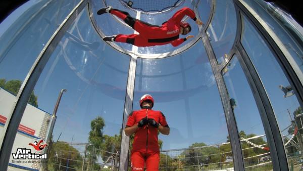 Découvrez les sensations d'un saut en parachute & défiez les lois de la gravité